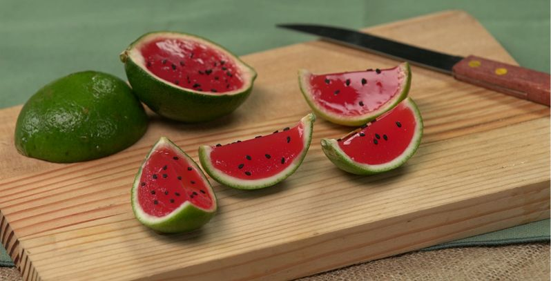 These DIY Mini Jell-O Watermelon Slices Are A Tasty Summer Treat