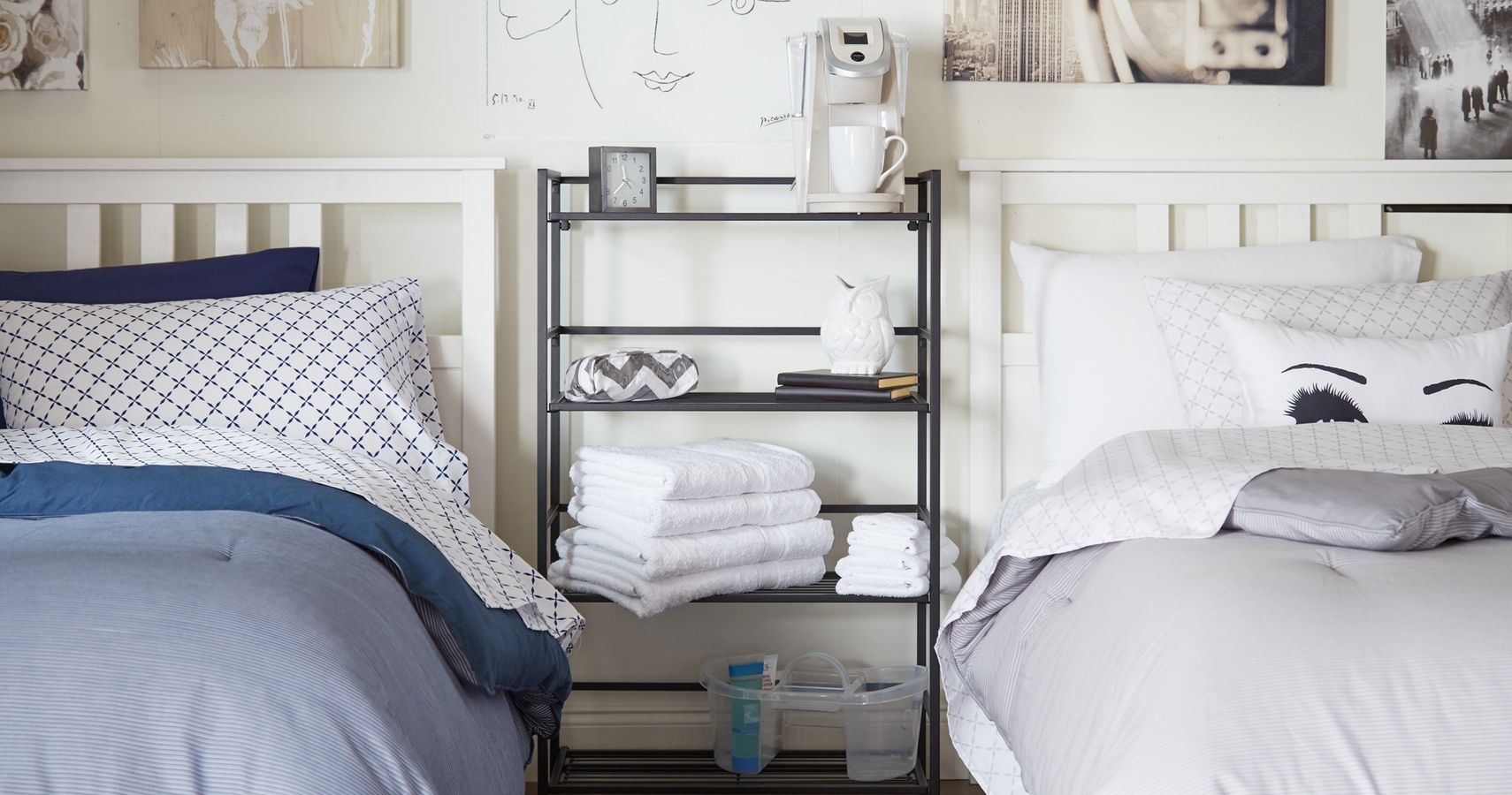 10 genius ways to create storage in your dorm thethings - Dorm room storage solutions ...