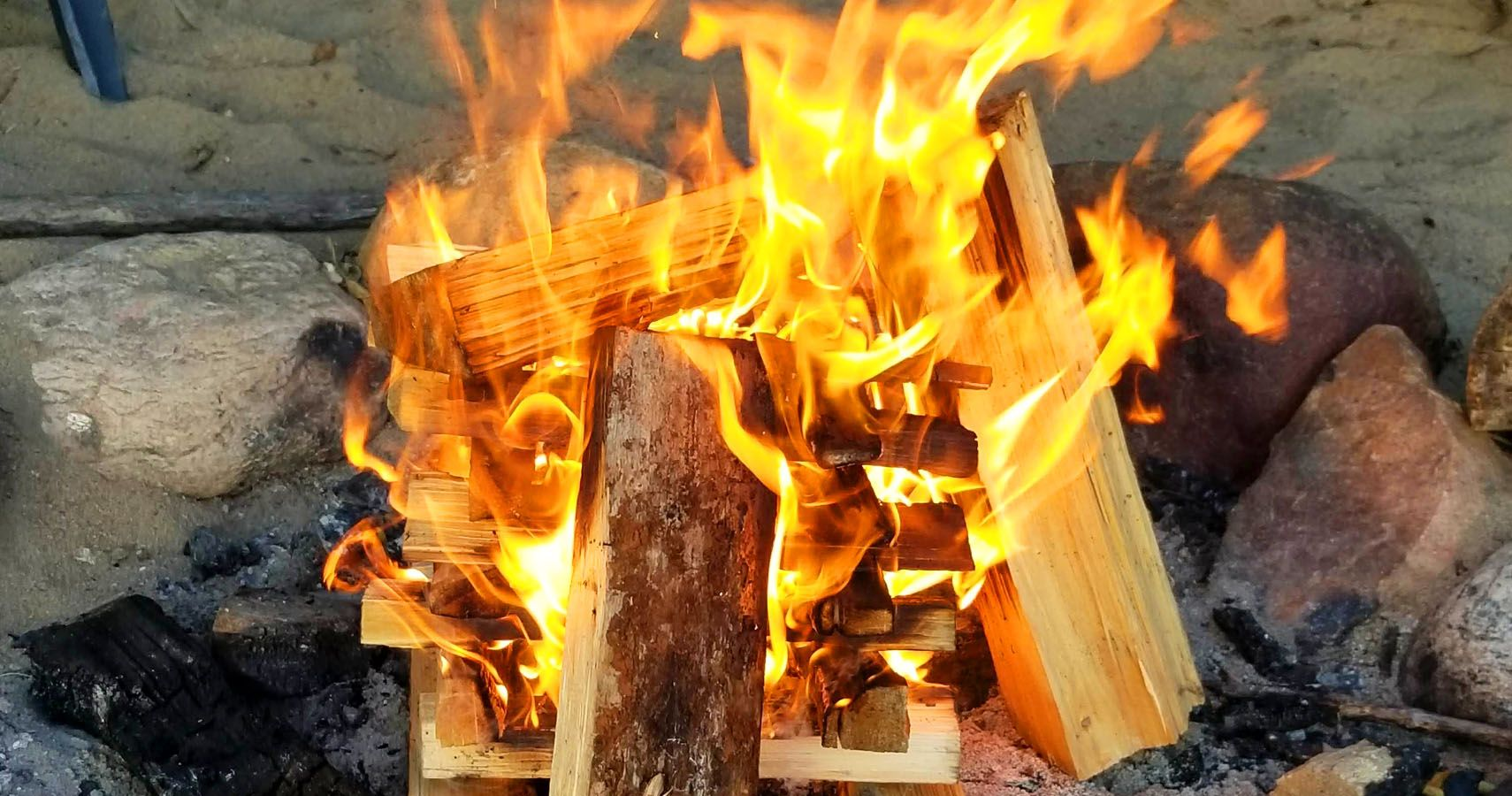 How To Build The Perfect Campfire | TheThings