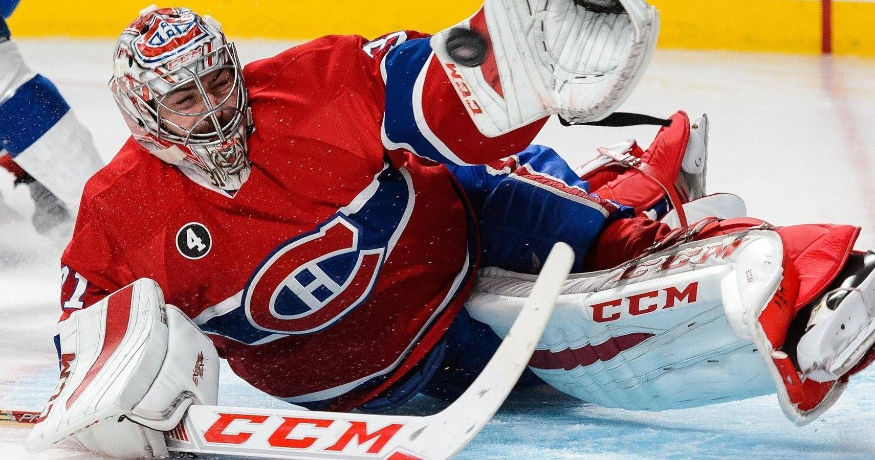 Nhl Goalie Carey Price Hugs Young Fan Who Just Lost His Mother To Cancer