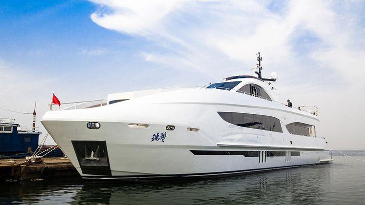 Jackie-Chan-Superyacht.jpg?q=50&fit=crop