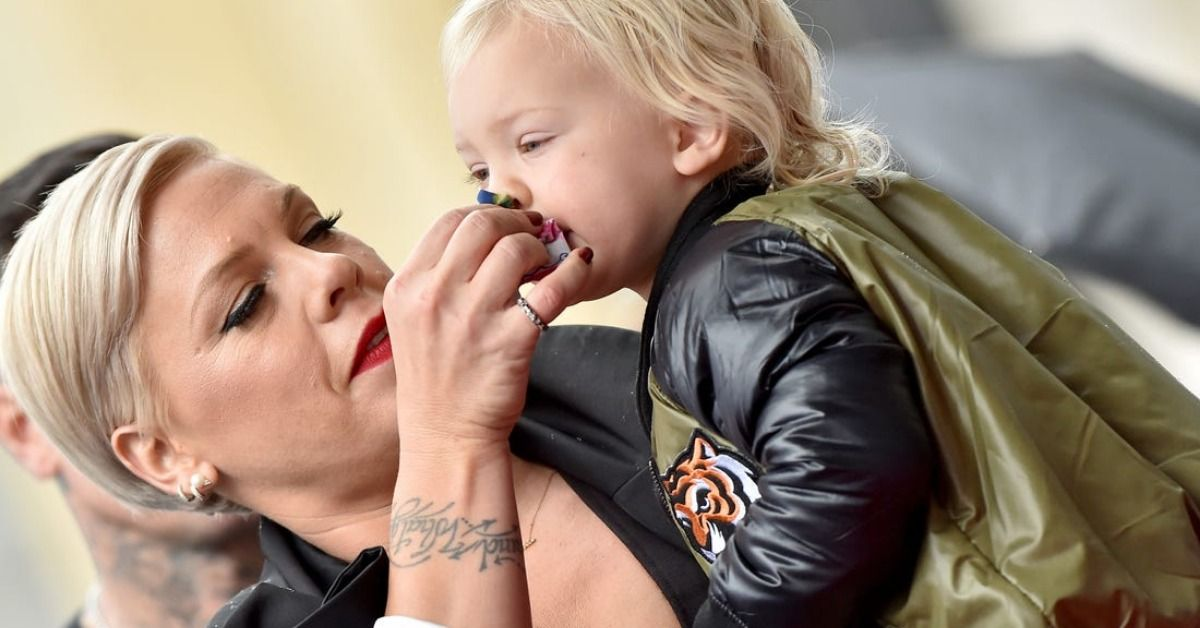 Pink's Son Imitates Her Winning Billboard Music Award And It's Just Adorable