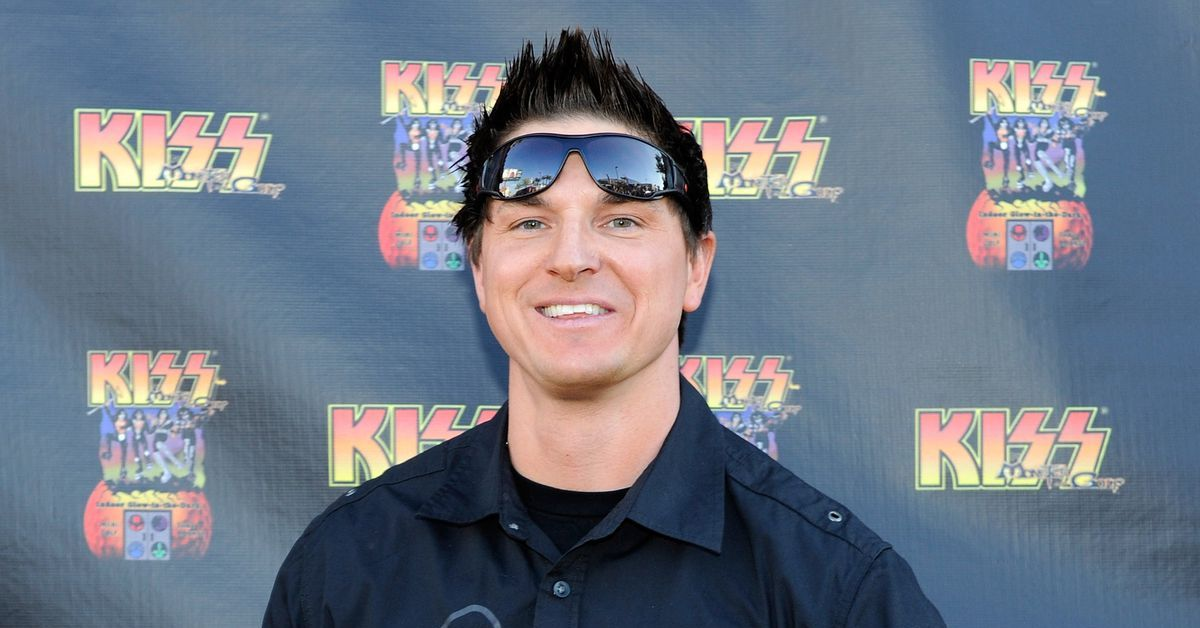 The Truth About 'Ghost Adventures' Investigator Zak Bagans
