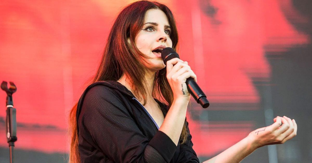 The Reason Why Lana Del Rey Gets So Much Hate | TheThings