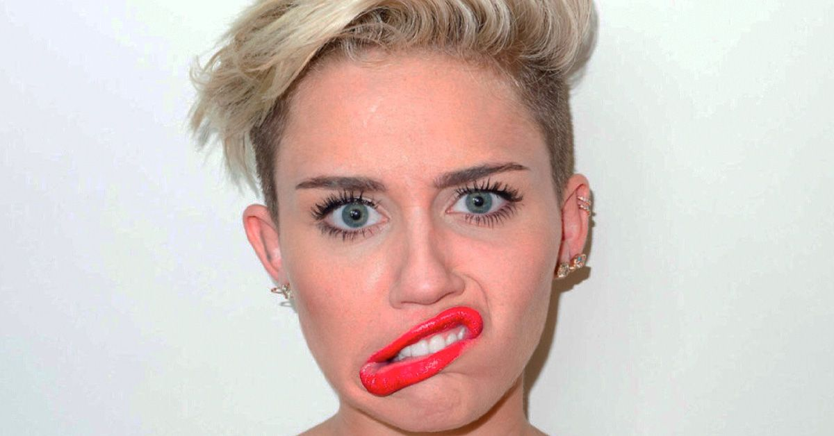 Miley Cyrus Doesn't Know How To Smile, And That's Why She Does This
