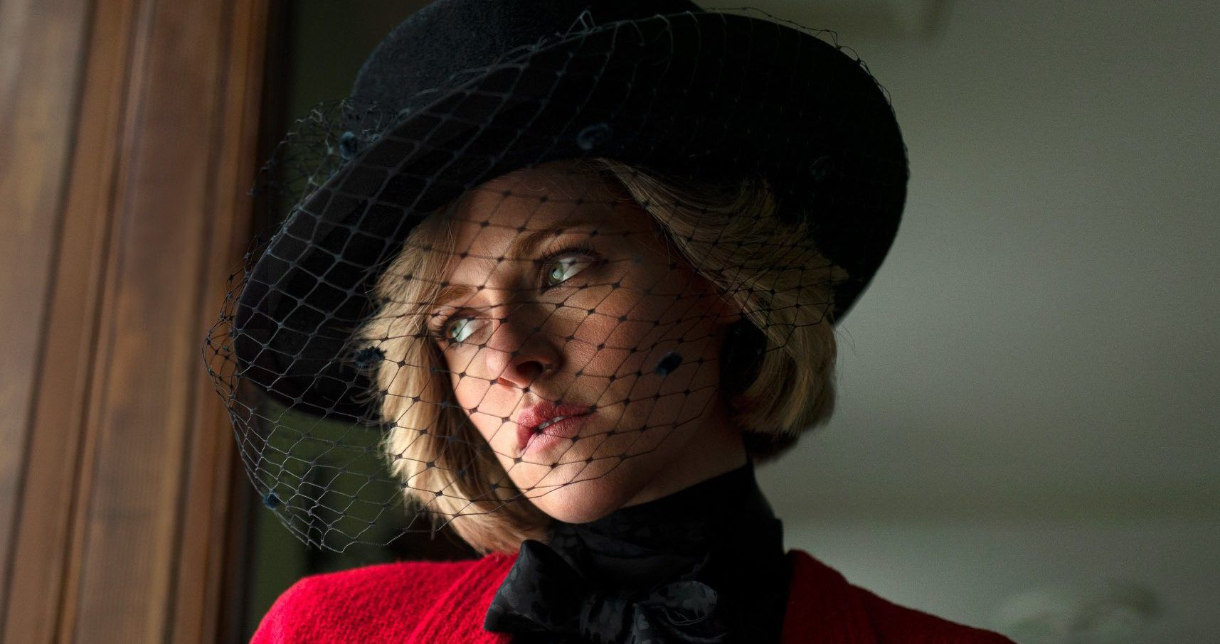 Fans Can't Get Over How Much Kristen Stewart Looks Like Princess Diana In New 'Spencer' Promos