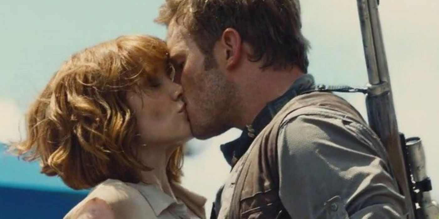 10 On-Screen Kisses That Weren't Supposed To Happen | TheThings
