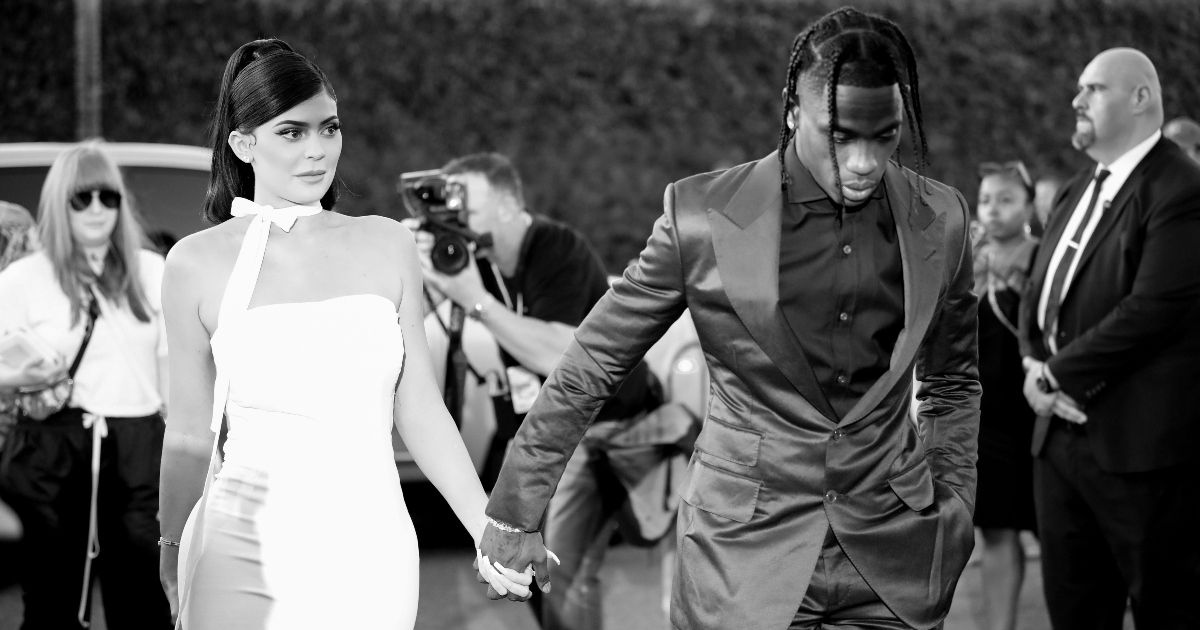 Twitter Fans Come To Kylie Jenner's Rescue After Fake News About Her Romance With Travis Scott